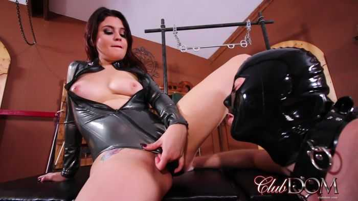 Clubdom – Miss Roper's Dungeon Slave: Dildo Gagged