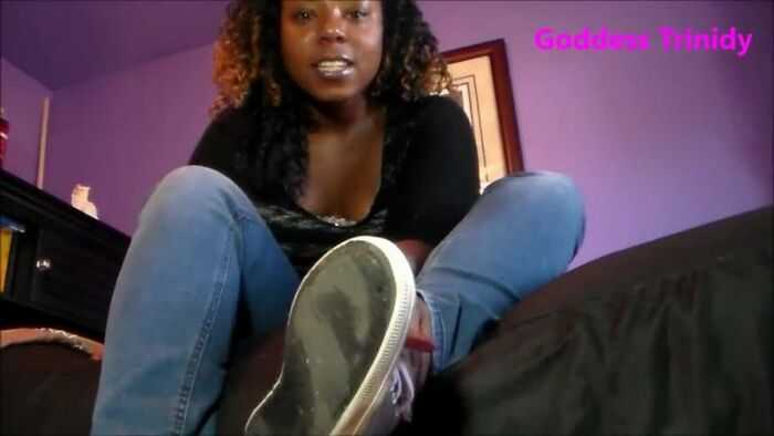 Goddess Trinidy - Mesmerized By The Stink