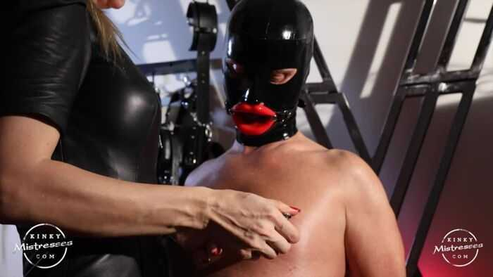 Femdom – Kinky Mistresses – Red Lips And Nipple Play – Princesse Venus